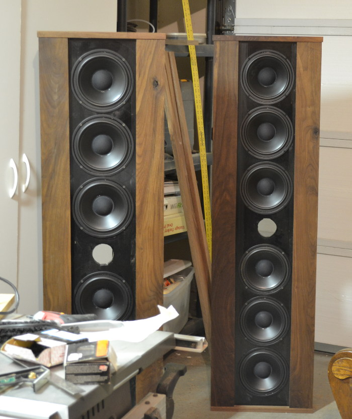 Front view of dipole speakers